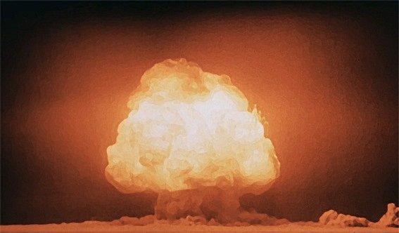 """Pověstný """"jaderný hřib"""", který se objevil několik vteřin po explozi Trinity"""
