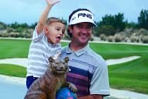 Golfista Watson vyhrál suverénně Woodsův turnaj na Bahamách