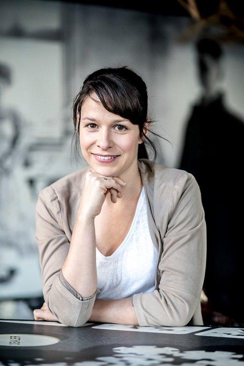 Herečka Veronika Khek Kubařová