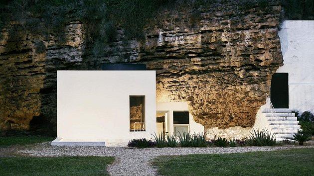 Dům v jeskyni