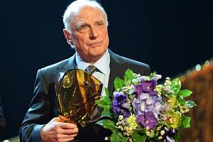 Cenu Thálie za celoživotní herecko-pěvecké mistrovství v kategorii muzikál-opereta převzal 26. března v Praze Ladislav Županič.
