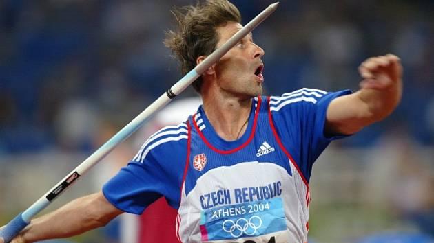 Jan Železný je držitelem oštěpařského světového rekordu, má hodnotu 98,48 metru.