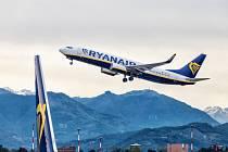 Letadlo společnosti Ryanair na letišti v italském Bergamu.