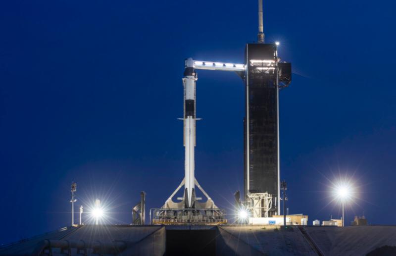 Raketa Crew Dragon soukromé americké společnosti SpaceX