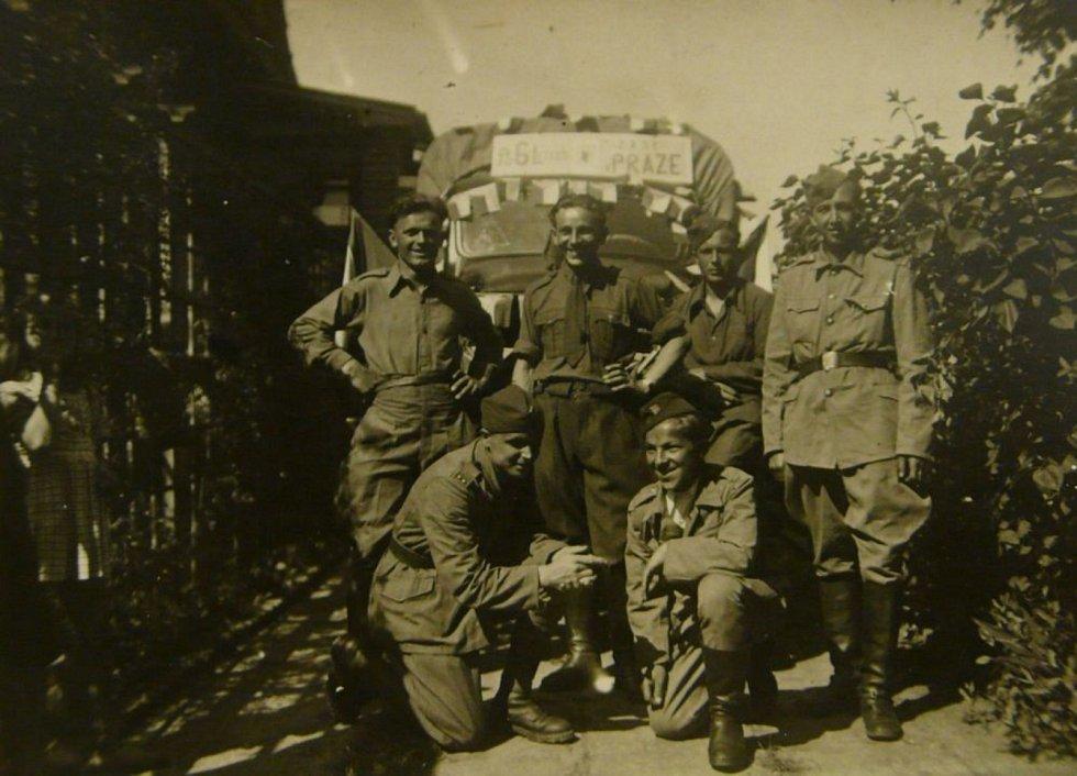 Václav Kuchynka po příjezdu do Prahy v květnu 1945