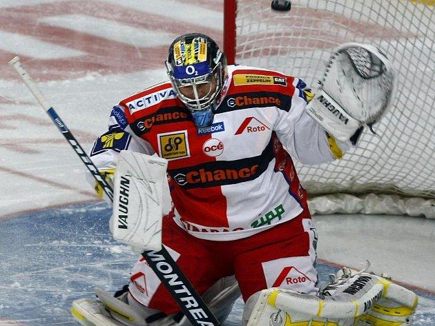Zdeněk Orct ze Slavie se po gólovém přídělu nechal vystřídat Nerudou.