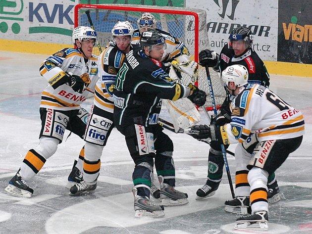 Vítězství v Mladé Boleslavi vyneslo litvínovské hokejisty do čela extraligové tabulky.