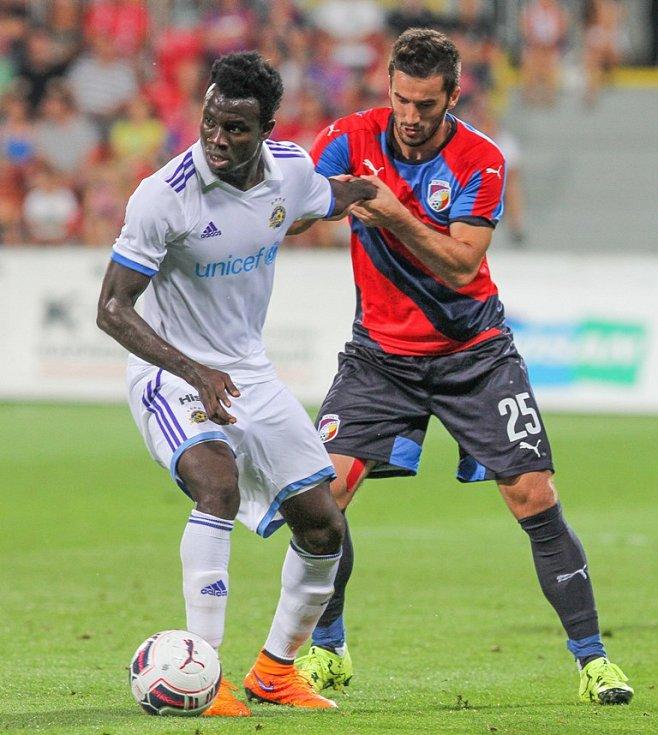 Plzeň - Maccabi Tel Aviv: Aidin Mahmutovič trefil břevno, ale gól nedal