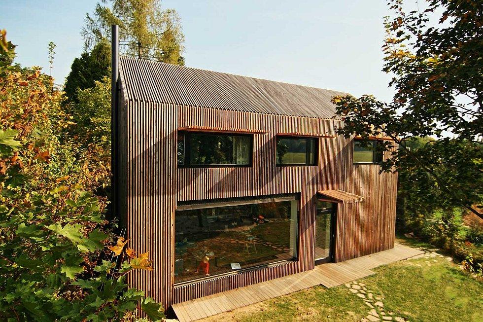 S ohledem na ztíženou dostupnost místa výstavby byl dům v Ochozu postaven z konstrukčního systému přímo na místě metodou two by four.