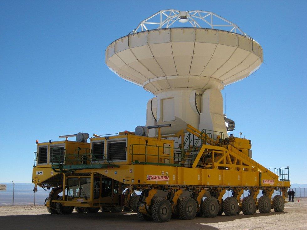 Transportér antén ALMA známý jako Otto.