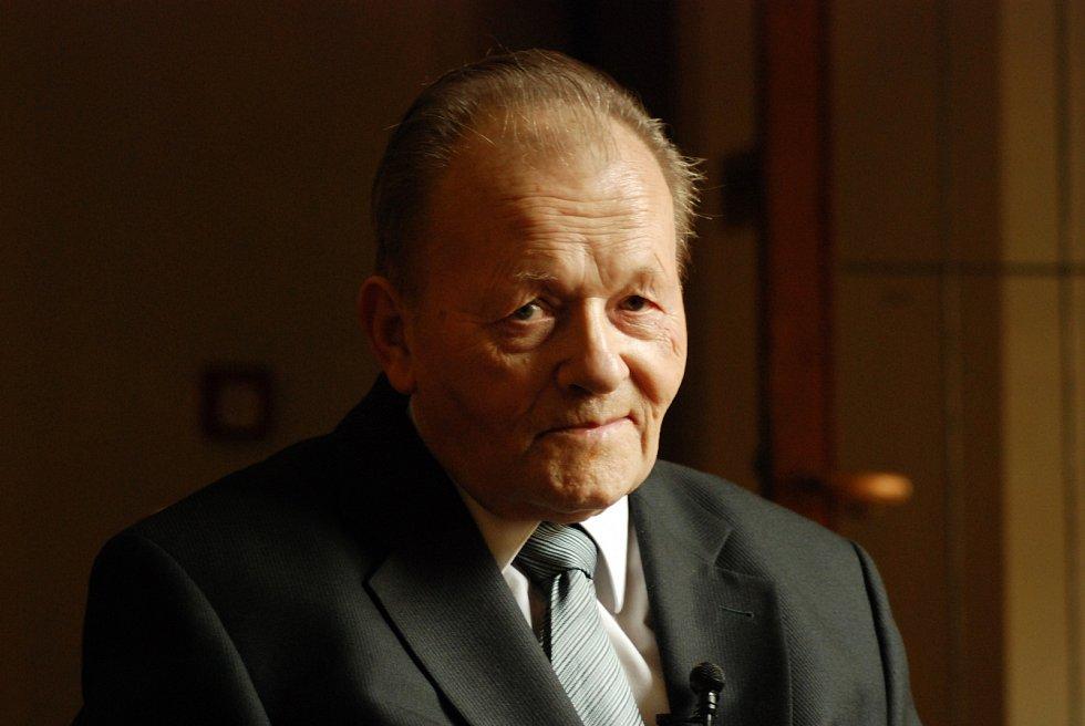 Antonín Holý je objevitelem řadyantivirotikvyužívaných při léčběHIV/AIDS,hepatitidytypu B čioparů.