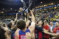 Radost basketbalistů CSKA.