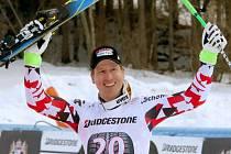 Sjezdař Hannes Reichelt se raduje z dalšího vítězství.