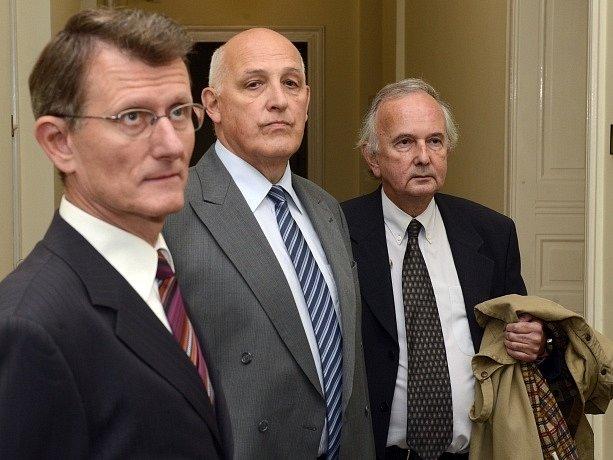 U Městského soudu v Praze začalo 23. září hlavní líčení s pěti bývalými úředníky pražského magistrátu obžalovanými v kauze opencard.