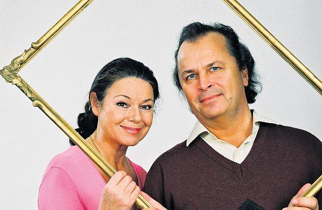 EVA A VÁCLAV HUDEČKOVIžijí už přes třicet let ve šťastném manželství.