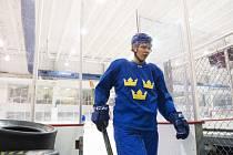 Hampus Lindholm na tréninku švédské reprezentace.