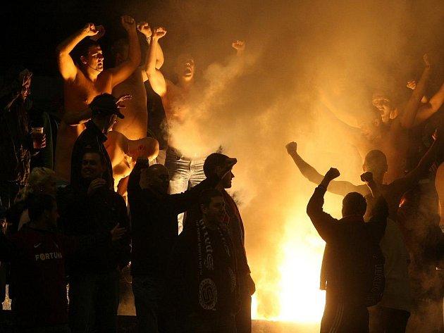 Fanoušci Sparty během zápasu s Ostravou.