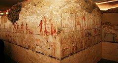 Archeologové objevili 4000 let starou hrobku kněžky Hetpet