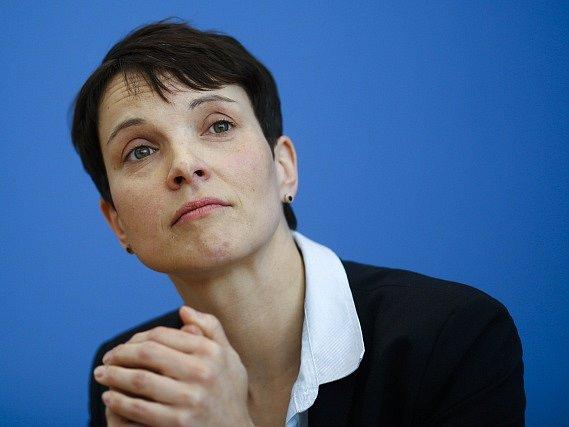 Šéfka strany Alternativa pro Německo (AfD) Frauke Petryová