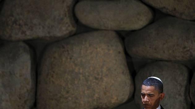 Obama při návštěvě muzea Holocaustu Jad Vašem.