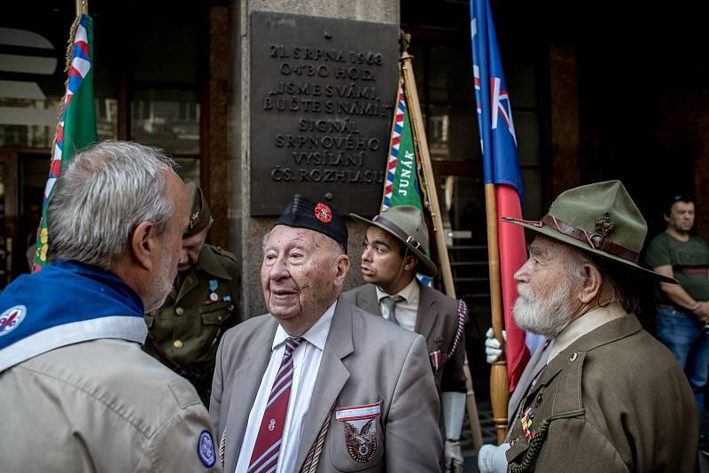 Pietní shromáždění k uctění památky objeví sovětské okupace z roku 1968 proběhlo 21. srpna před Českým rozhlasem v Praze.