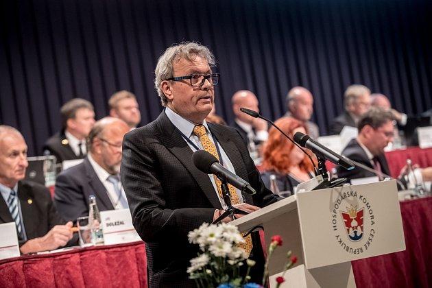Sněm Hospodářské komory ČR probíhal 16. května v Praze. Vladimír Dlouhý