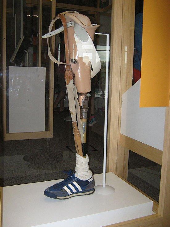 """Terryho protetická """"noha"""" se stala součástí expozice Kanadského muzea historie. Protézu vyrobil Ben Speicher, což byl protetický specialista působící ve Vancouveru v Britské Kolumbii"""