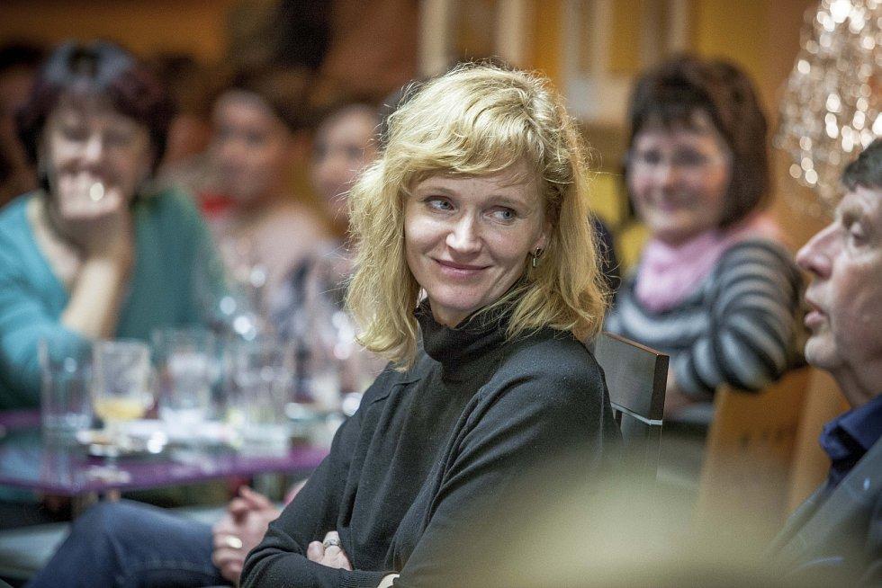 K Drahošovým podporovatelkám se připojila i herečka Aňa Geislerová.