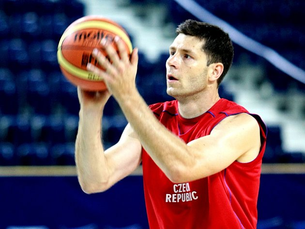 Basketbalista Petr Benda.