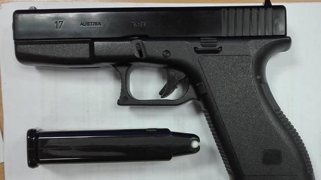 Airsoftová pistole. Ilustrační foto.