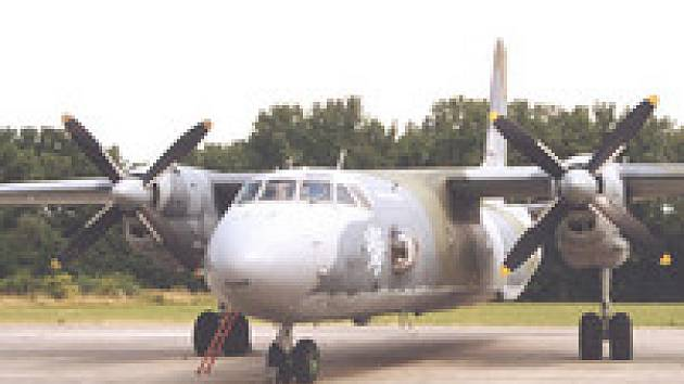 Dosluhující ruský stroj Antonov An-26