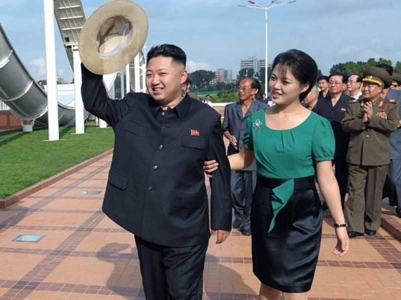Kim Čong-un s manželkou Ri Sol-ču.