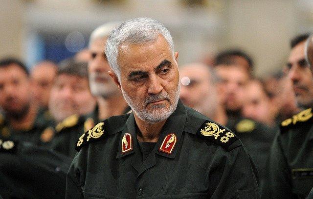 Při americkém útoku byl zabit velitel íránských elitních jednotek Kuds Kásim Sulejmání.