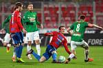Fotbalisté Plzně (v červeném) proti Jablonci.