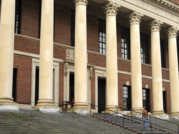 Americká Harvardova univerzita v rámci výzkumného projektu tajně fotografovala studenty a profesory během výuky v posluchárnách. Ilustrační foto.