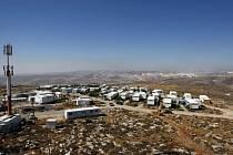Olmert chce udržet izraelské osady na Západním břehu (na obrázku), proto nabízí Palestincům území v Negevské poušti.