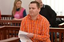 Pražský městský soud začal 16. března projednávat kauzu Jana Mokrého, kterého obžaloba viní ze dvou pokusů o vraždu bezdomovců.