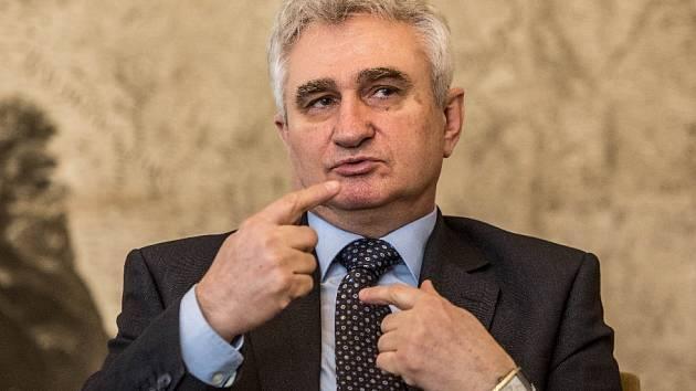 Předseda Senátu Milan Štěch.