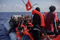 Migranti na trase přes Středozemní moře, ilustrační foto