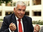 Kandidát na prezidenta Vratislav Kulhánek.