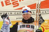 Finka Virpi Kuitunenová slaví vítězství v prologu Tour de Ski v Novém Městě na Moravě.