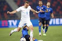 Vladimír Coufal v přípravném zápase s Itálií.