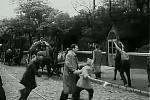 Na levém břehu Vltavy přišli Praze na pomoc vlasovci - vojáci donedávna bojující na straně Němců