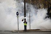 V Paříži znovu demonstrovaly žluté vesty. Policie použila slzný plyn.