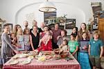 Když se sejde rodina na obědě... Martina má sedm dětí a devět vnoučat.
