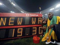 Nový světový rekord na 200 metrů má hodnotu 19,30 vteřiny.