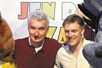 SHOW. Herec Michal Nesvadba (vlevo) a krasobruslař Tomáš Verner budou v nové lední show Jen počkej, zajíci!