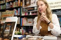 Irena Obermannová, kmenová autorka nakladatelství Motto, právě odevzdala rukopis své nové knihy nazvané Panoptikum české.