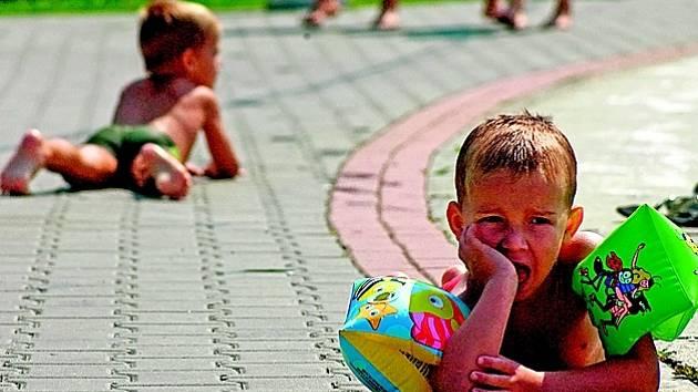 Největší vliv na výskyt melanomu má pobyt na sluníčku v dětství.