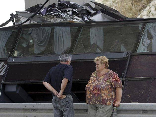 Dálnice mezi Splitem a Záhřebem zažila letos největší autobusové neštěstí. Havaroval zde slovenský autobus.